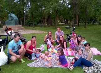 Convivencia en el parque del Grupo de Apoyo a la Lactancia Materna de Herencia