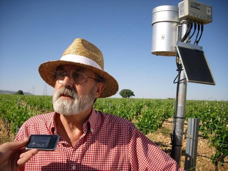 DSCI0915 - WWF colabora con la Comunidad de Regantes de Herencia para instalar su tecnología OptiWine en uno de los mayores viñedos de La Mancha