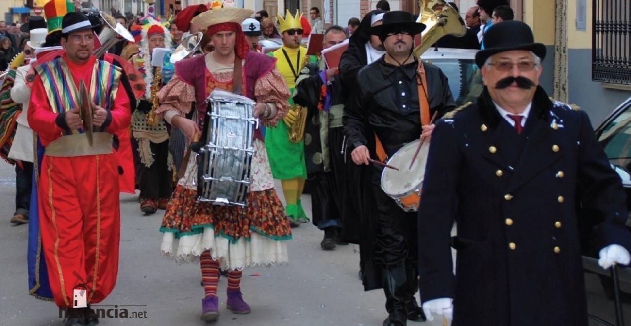 banda de musica en carnaval de herencia - El Carnaval de Herencia recibe el premio Corazón de la Mancha 2015