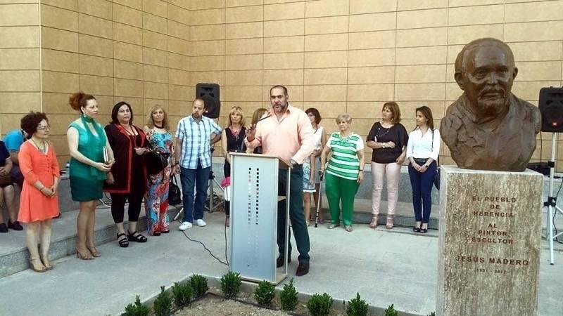 Emotivo acto de inauguración del busto de Jesús Madero 1