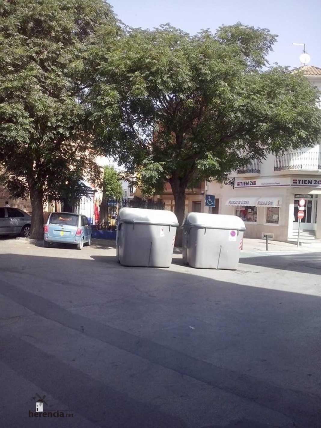 contenedores de basura en herencia - 1