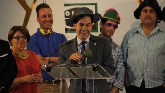 """Sergio García-Navas recoge el premio """"Corazón de La Mancha"""" al Carnaval de Herencia"""
