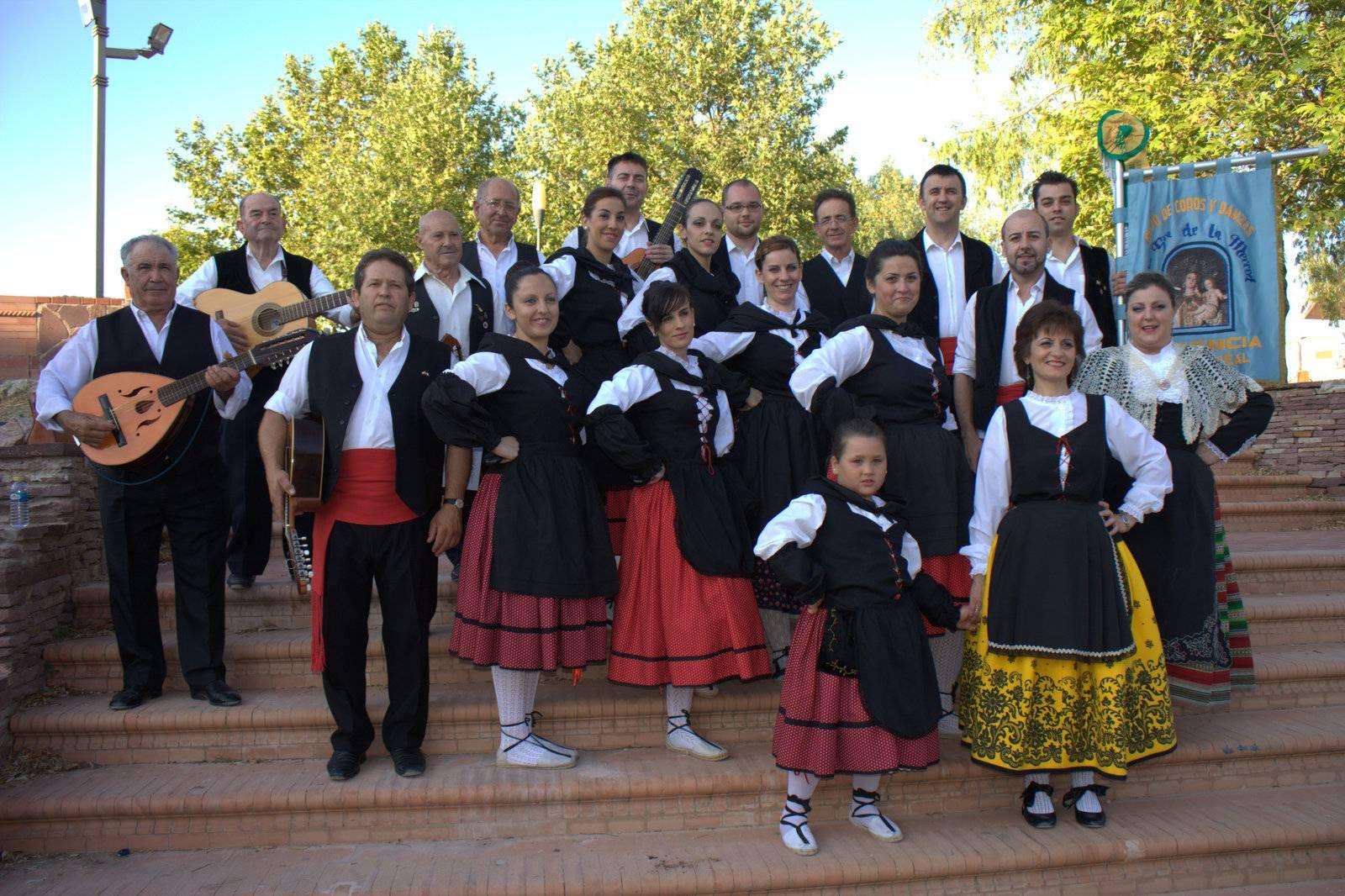 Grupo folclorico nuestra se%C3%B1ora de la merced de Herencia - El grupo folclórico de la Merced baila en Almagro