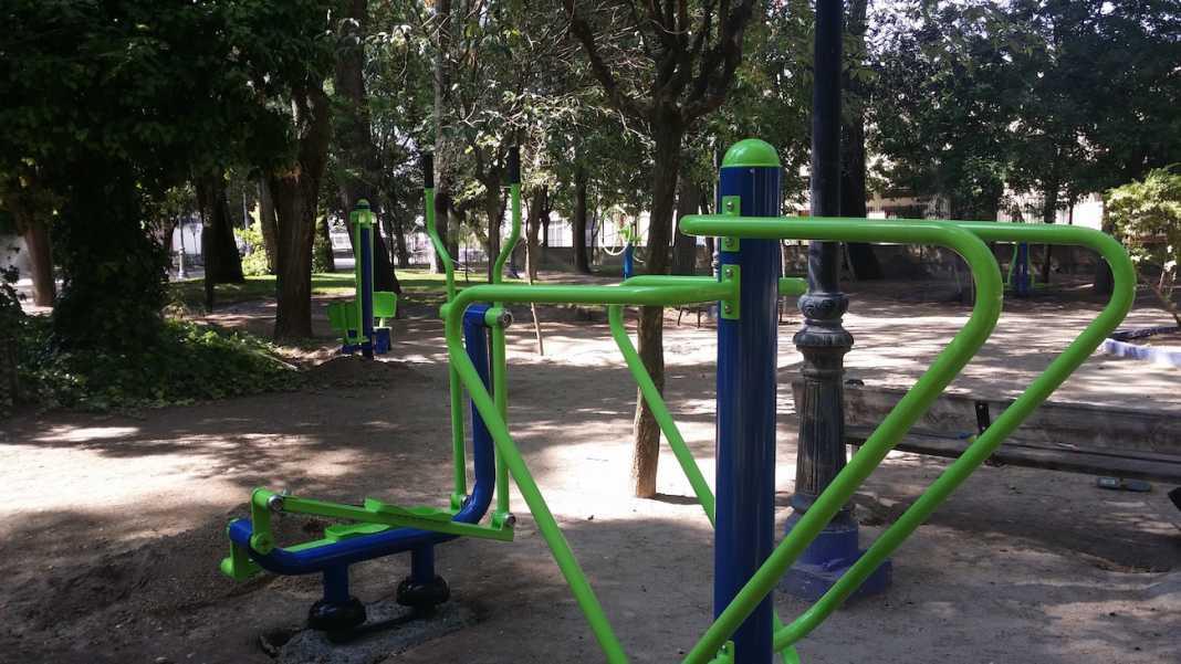 maquinas de gimnasia 1068x601 - Instalado un circuito de máquinas de gimnasia en el Parque Municipal