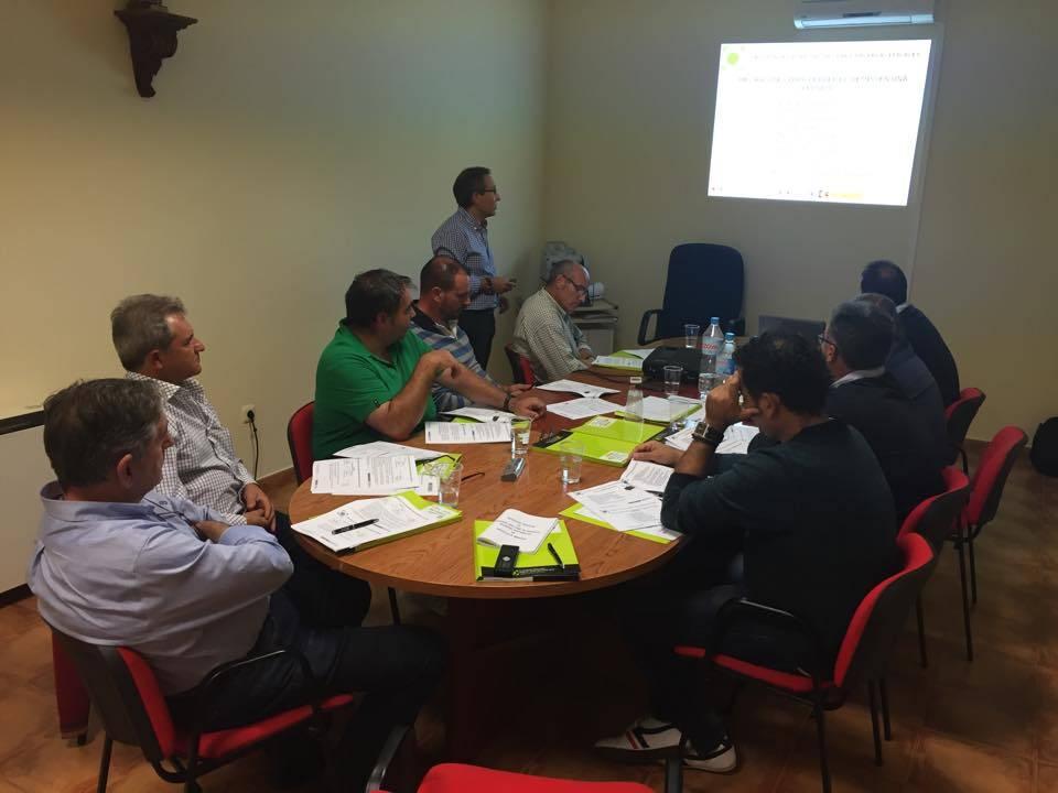 Consejo Rector de la cooperativa San José de Herencia durante la formación. Foto vía Facebook Bodegas San José