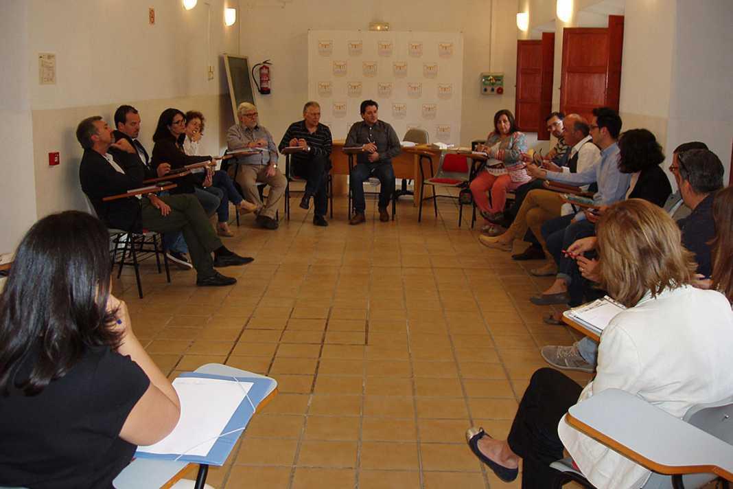 Reunión para analizar los convenios culturales de la Diputación 1