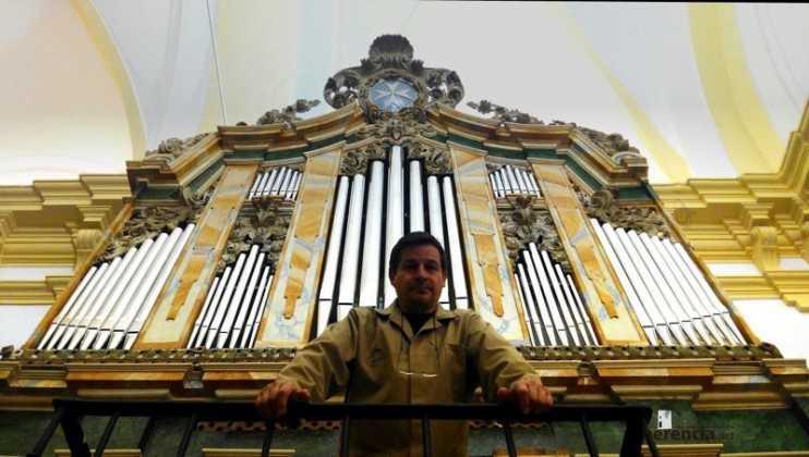 Eduardo Bribiesca organero encargado de la restauracion del organo barroco de Herencia. Foto de Ángela Bribiesca