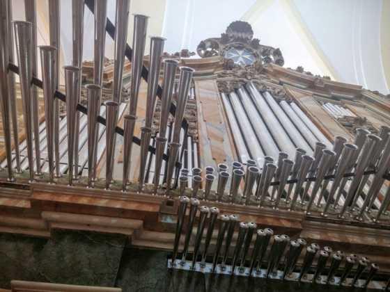 Misa de bendicion de los trabajos de restauracion y reconstruccion del organo barroco de Herencia 1 560x420 - El órgano barroco de Herencia vuelve a sonar 75 años después