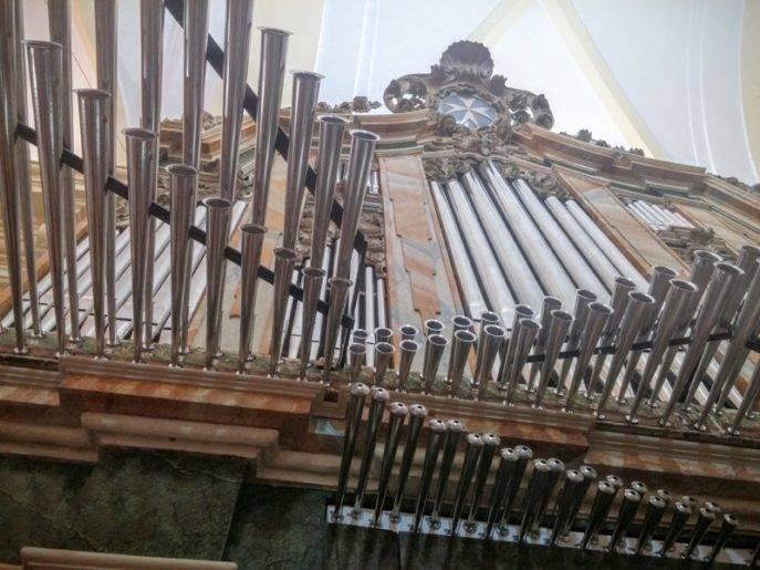 Misa de bendicion de los trabajos de restauracion y reconstruccion del organo barroco de Herencia 1 687x515 - Herencia se suma a la IV Ruta de Órganos Históricos de Castilla-La Mancha
