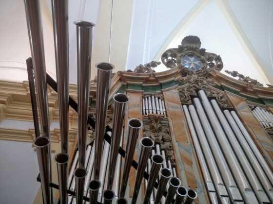 Misa de bendicion de los trabajos de restauracion y reconstruccion del organo barroco de Herencia 2 560x420 - El órgano barroco de Herencia vuelve a sonar 75 años después