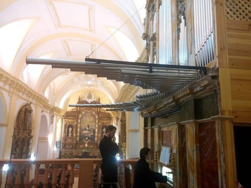 Misa de bendicion de los trabajos de restauracion y reconstruccion del organo barroco de Herencia 8 - Vídeo del órgano parroquial tocado por Roberto Fresco