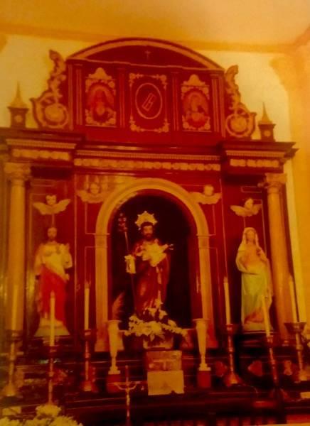 Retablo de la ermita de san Jose de Herencia antes de su restauración - La hermandad de san Jose restaura su retablo y dona alimentos a Cáritas