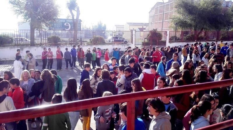 Simulacro de incendio en el IES Hermogenes Rodriguez de Herencia1