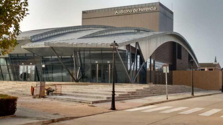 El auditorio de Herencia abre sus puertas por primera vez 10