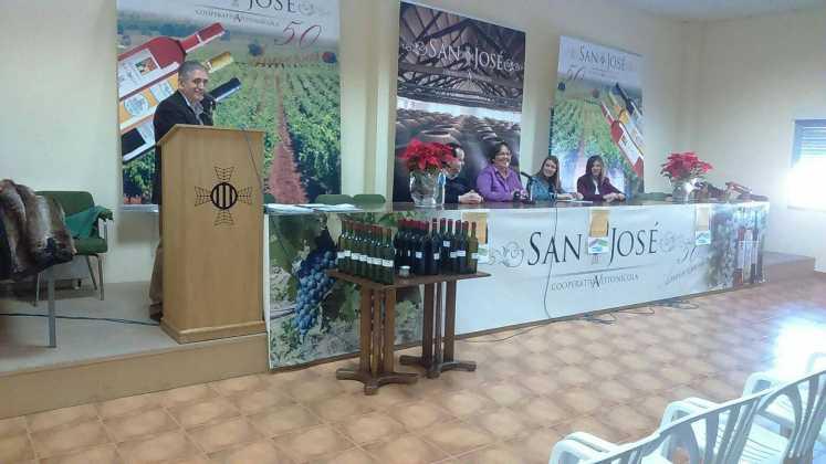entrega premios iii concurso de vinos en herencia 10 747x420 - Entrega de premios III Concurso de Vinos, Mistelas y Arropes artesanales