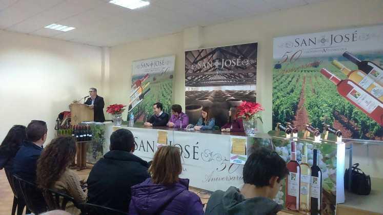 entrega premios iii concurso de vinos en herencia 7 747x420 - Entrega de premios III Concurso de Vinos, Mistelas y Arropes artesanales