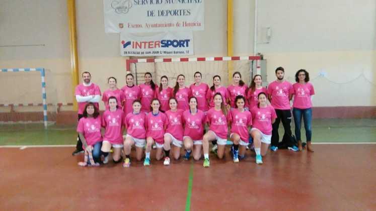 equipo de balonmano contra violencia de genero 2015 9 747x420 - Imágenes y vídeos de la I Marcha contra la Violencia de Género