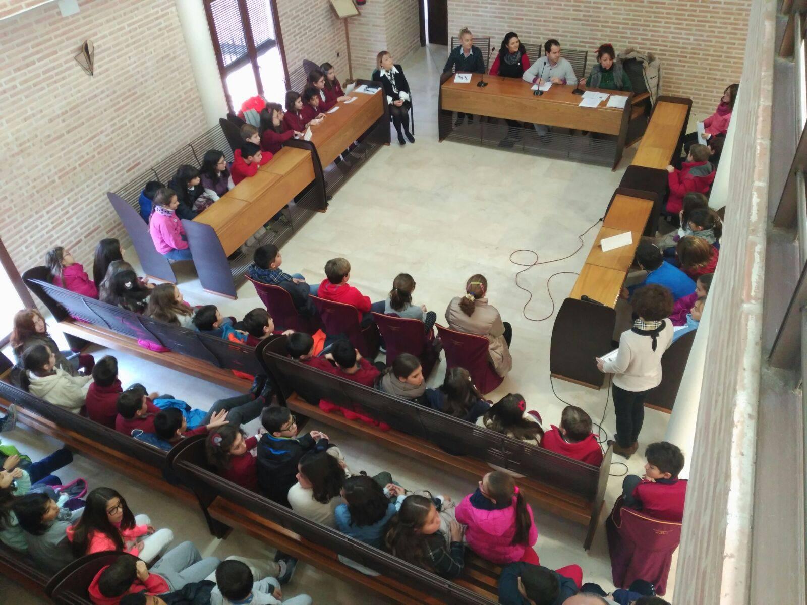 pleno escolar 2015 en herencia 6 - Celebrado el tradicional pleno escolar con motivo del Día de la Constitución