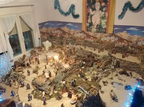 Belen familia Gallego de la Sacristana Glez Ortega01 564x420 - Muestra de belenes populares de Herencia. Fotogalería