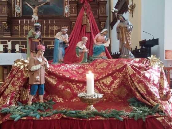 Nacimiento de la parroquia Inmaculada Concepcion07 560x420 - Muestra de belenes populares de Herencia. Fotogalería