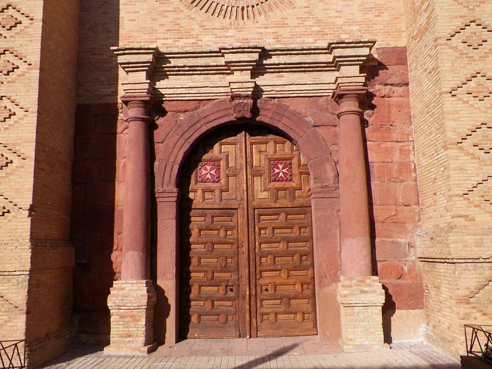 Puerta del Sol de la parroquia de Herencia foto de Antonio Carmona Marquez - La parroquia de Herencia prepara la bienvenida de su nuevo sacerdote Alberto Domínguez