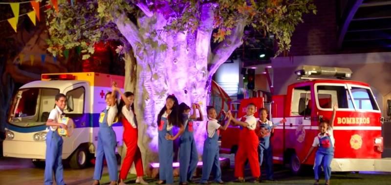CORITO CHICHIGUA ARRIBA Y ABAJO - Arriba y abajo, último videoclip de Corito Chichigua