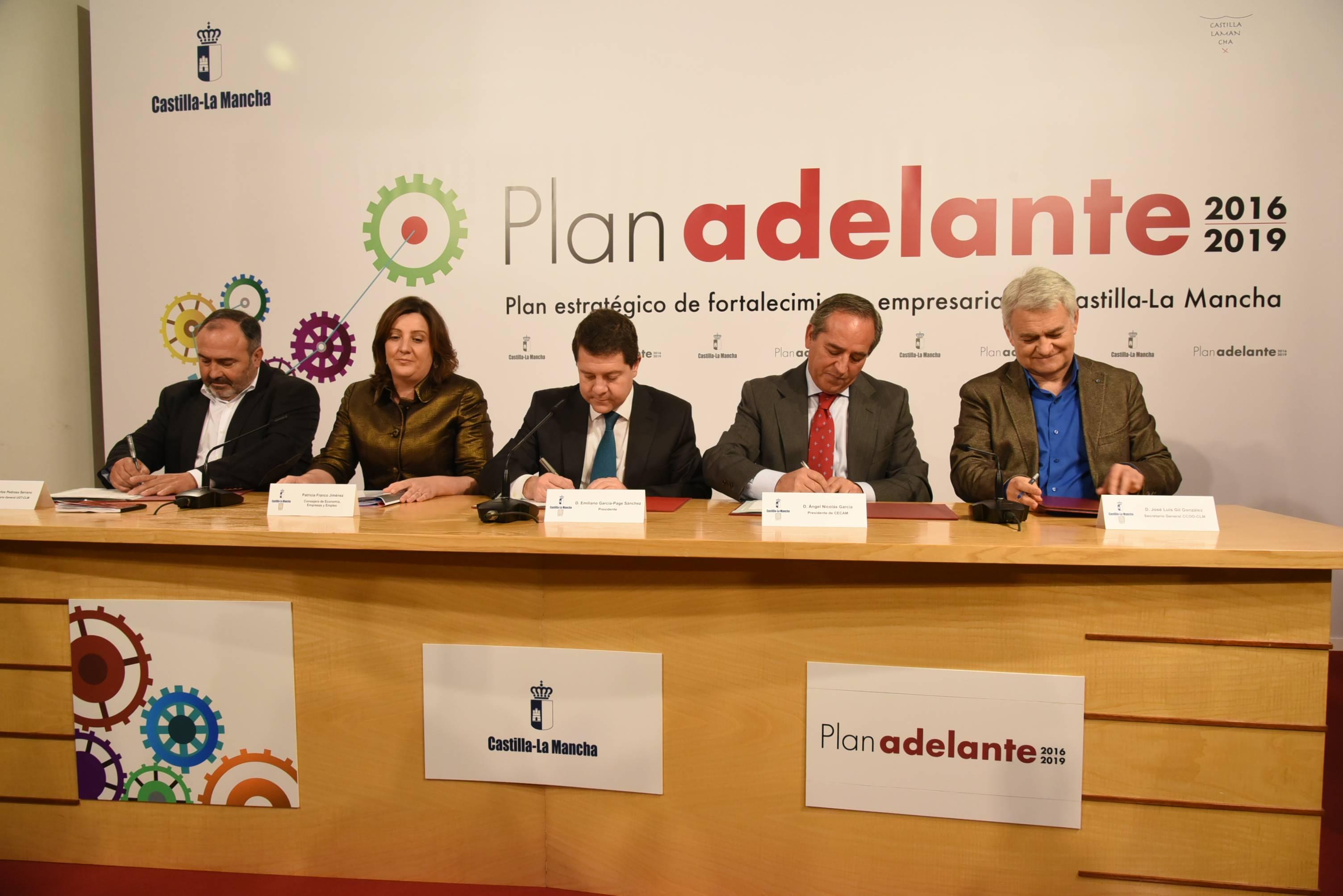 firma del plan adelante castilla la mancha - Sindicatos y CECAM apuestan por el Plan Adelante para el fortalecimiento empresarial