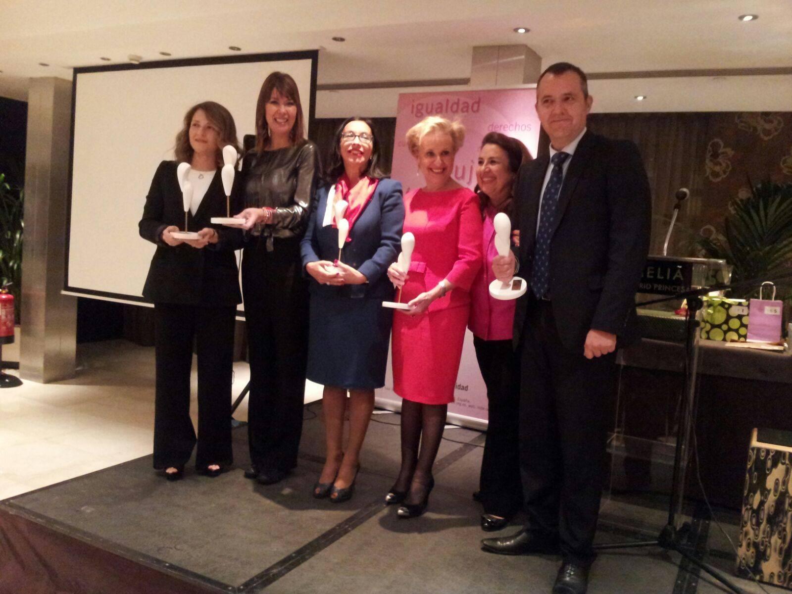 premiados premios solidarios 2015 mujeres para el dialogo - Entrega de premios solidarios 2015 de Mujeres para el Diálogo