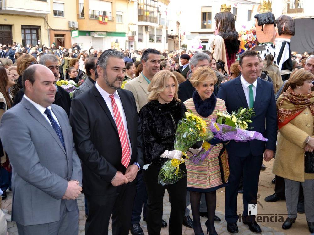 villarta ofrenda alcaldesa diputada y alcaldes vecinos en ofrenda paces - La pregonera de las Paces de Villarta pidió a los jóvenes que se diviertan y mantengan las costumbres