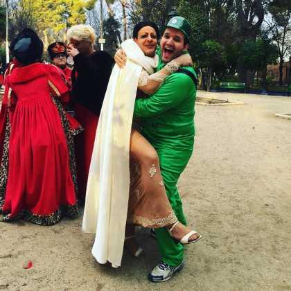 Cristina Pedroche y el soldadito de plastico Chechu y David Carrero 420x420 - Cristina Pedroche también está con el Carnaval de Herencia