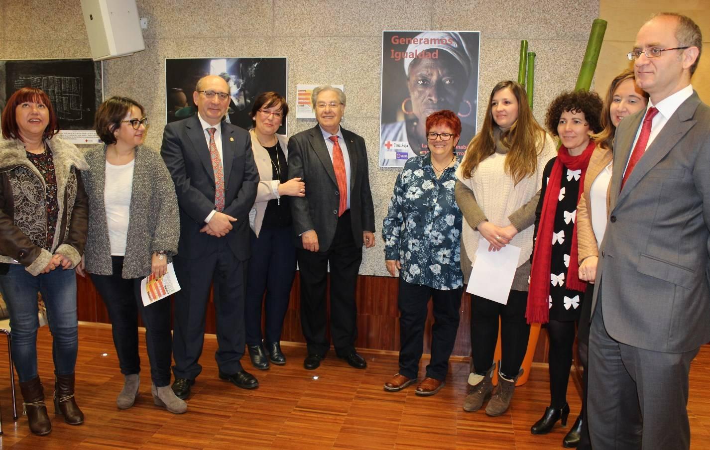 """Carmen Olmedo Exposicion Cruz Roja - Inauguración de la exposición """"Generamos Igualdad"""" con la que Cruz Roja"""