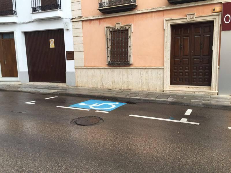 Nuevas plazas de aparcamientos para discapacitados en Alcazar de San Juan