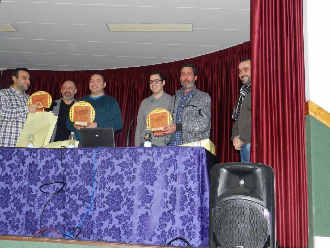 charla sobre costaleros de la V Semana Cofrade de los Moraos de Herencia 1068x801 - Éxito en el inicio de la V Semana Cofrade de Los Moraos