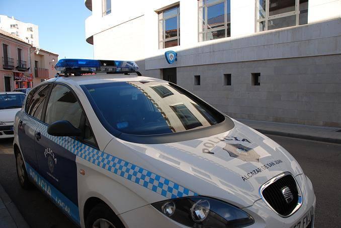 coche de policia local alcazar de san juan