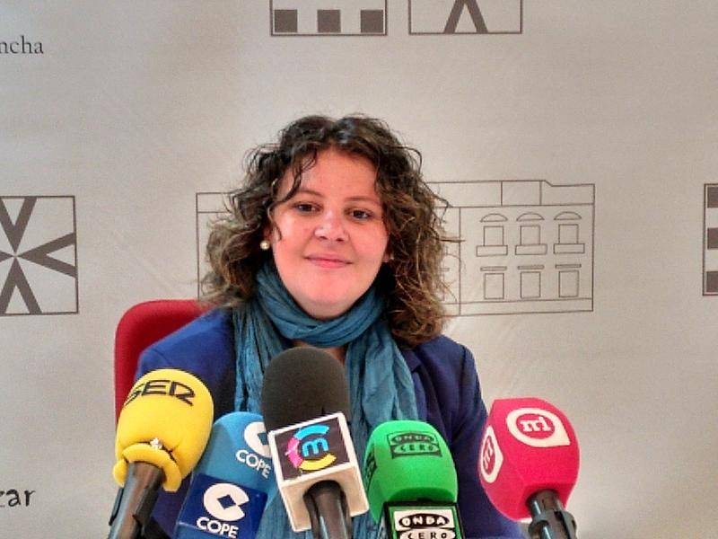 La concejala presenta el Plan Anual de Servicios Sociales para 2016 1