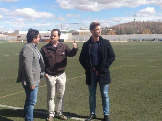 desfibrilador para el campo de futbol municipal - Herencia cuenta con tres nuevos desfibriladores