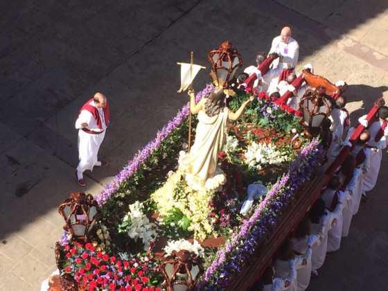 procesion del resucitado en herencia1 560x420 - Procesión del Resucitado en Herencia. Fotografías y vídeos
