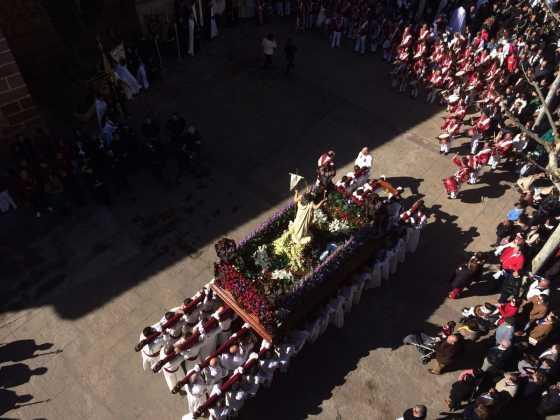 procesion del resucitado en herencia19 560x420 - Procesión del Resucitado en Herencia. Fotografías y vídeos