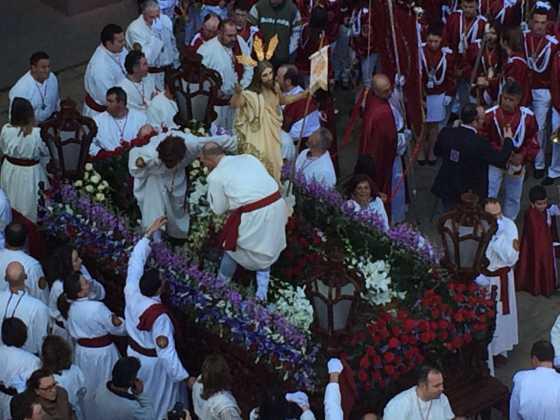 procesion del resucitado en herencia2 560x420 - Procesión del Resucitado en Herencia. Fotografías y vídeos