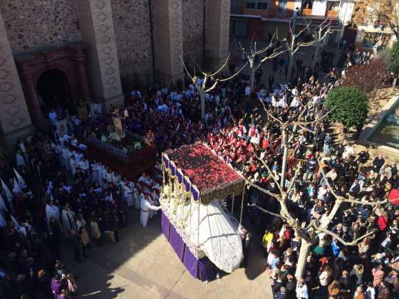 procesion del resucitado en herencia4 560x420 - Procesión del Resucitado en Herencia. Fotografías y vídeos