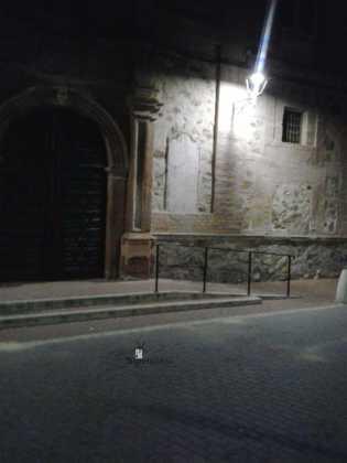 retirada de placas de fachada del convento en Herencia 2 315x420 - Las placas de la fachada del Convento son retiradas de madrugada