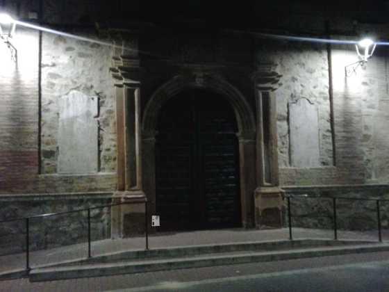 retirada de placas de fachada del convento en Herencia 4 560x420 - Las placas de la fachada del Convento son retiradas de madrugada