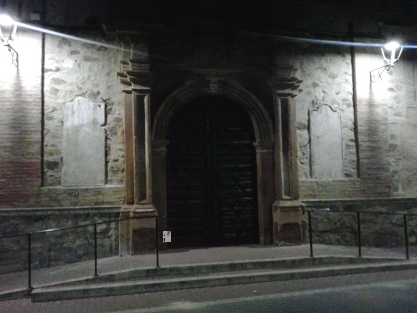 retirada de placas de fachada del convento en Herencia 4 - Las placas de la fachada del Convento son retiradas de madrugada