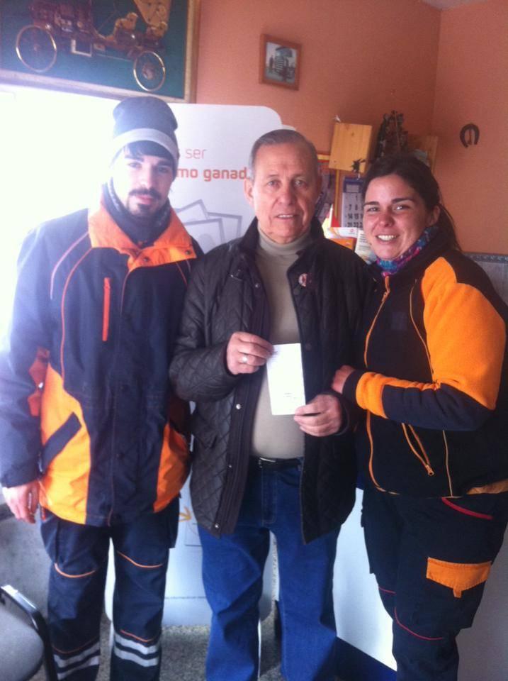 año de carburante gratis - La Estación de Servicio Maritornes entrega un premio de carburante gratis durante un año