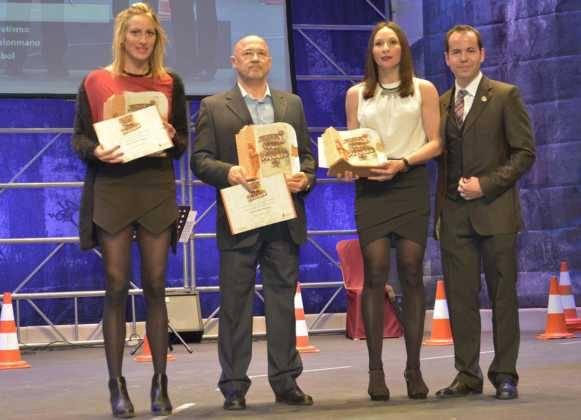 entrega de premios gala del deporte provincial de ciudad real en Herencia3 581x420 - Los mejores deportistas de la provincia son premiados en Herencia