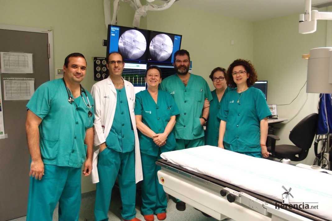 El Hospital de Ciudad Real implanta el primer desfibrilador subcutáneo para evitar la muerte súbita 1