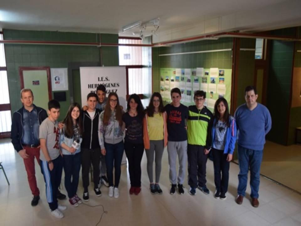 Alumnos del Hermogenes campeones de robotica