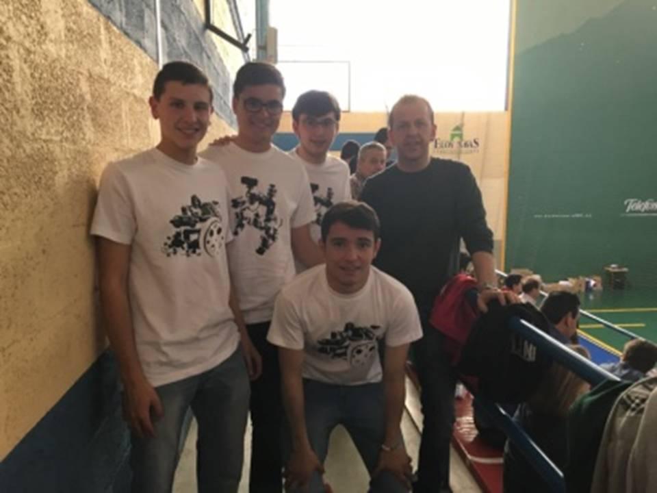 Alumnos del Hermogenes de Herencia campeones de robotica - El Hermógenes campeón en el VI Campeonato de Robótica de la UCLM