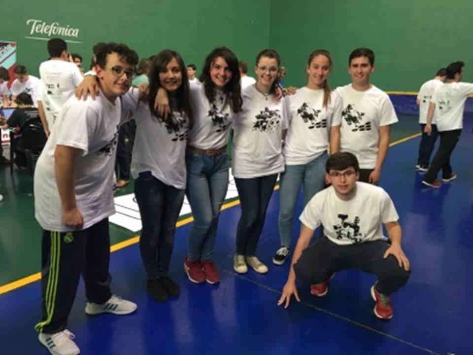 Alumnos del Hermogenes de Herencia campeones de robotica1 - El Hermógenes campeón en el VI Campeonato de Robótica de la UCLM