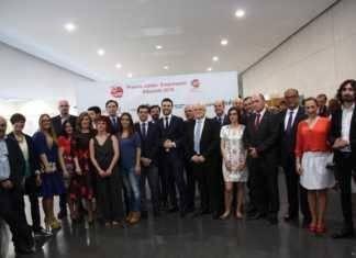 Fotografía de familia premiados AJE Albacete en XV edición